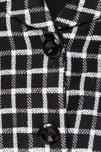 Abrigo corto cuadros B/W